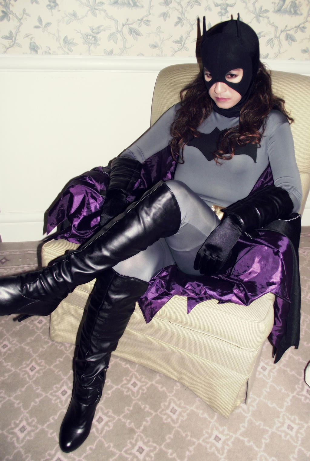 Young Justice Batgirl Cosplay - Repose by ozbattlechick