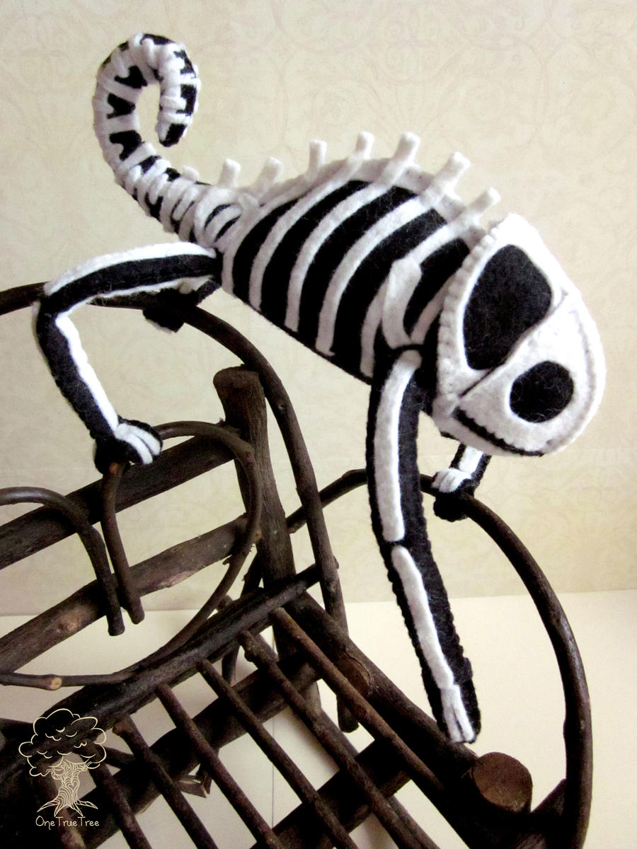 Skeleton Chameleon by quirkandbramble