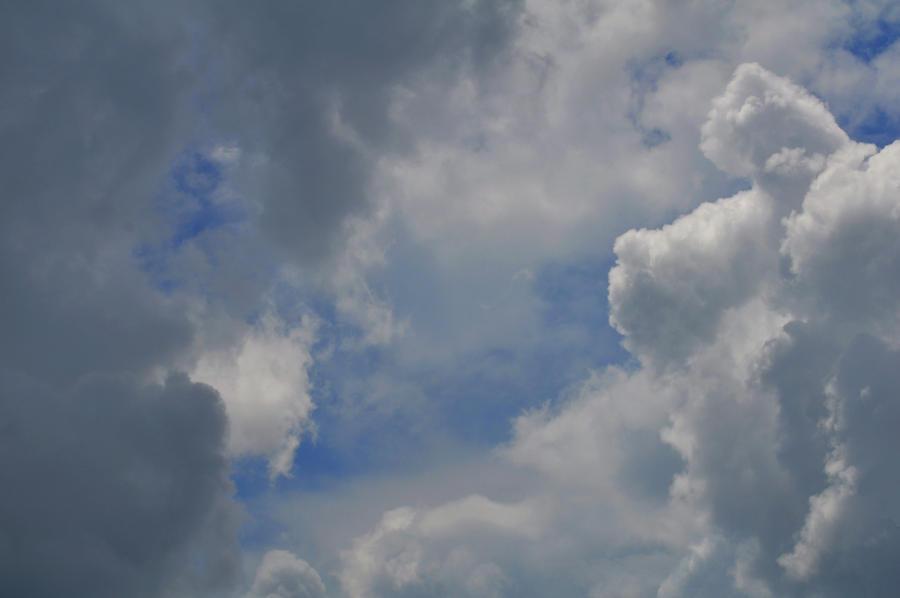 Storm rolls in by Tailgun2009