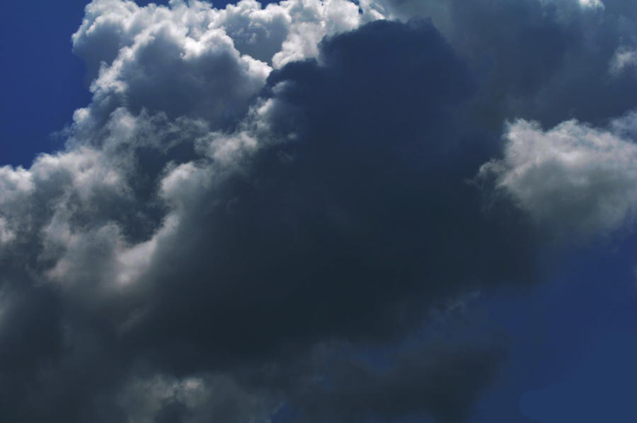 Storms arriving by Tailgun2009