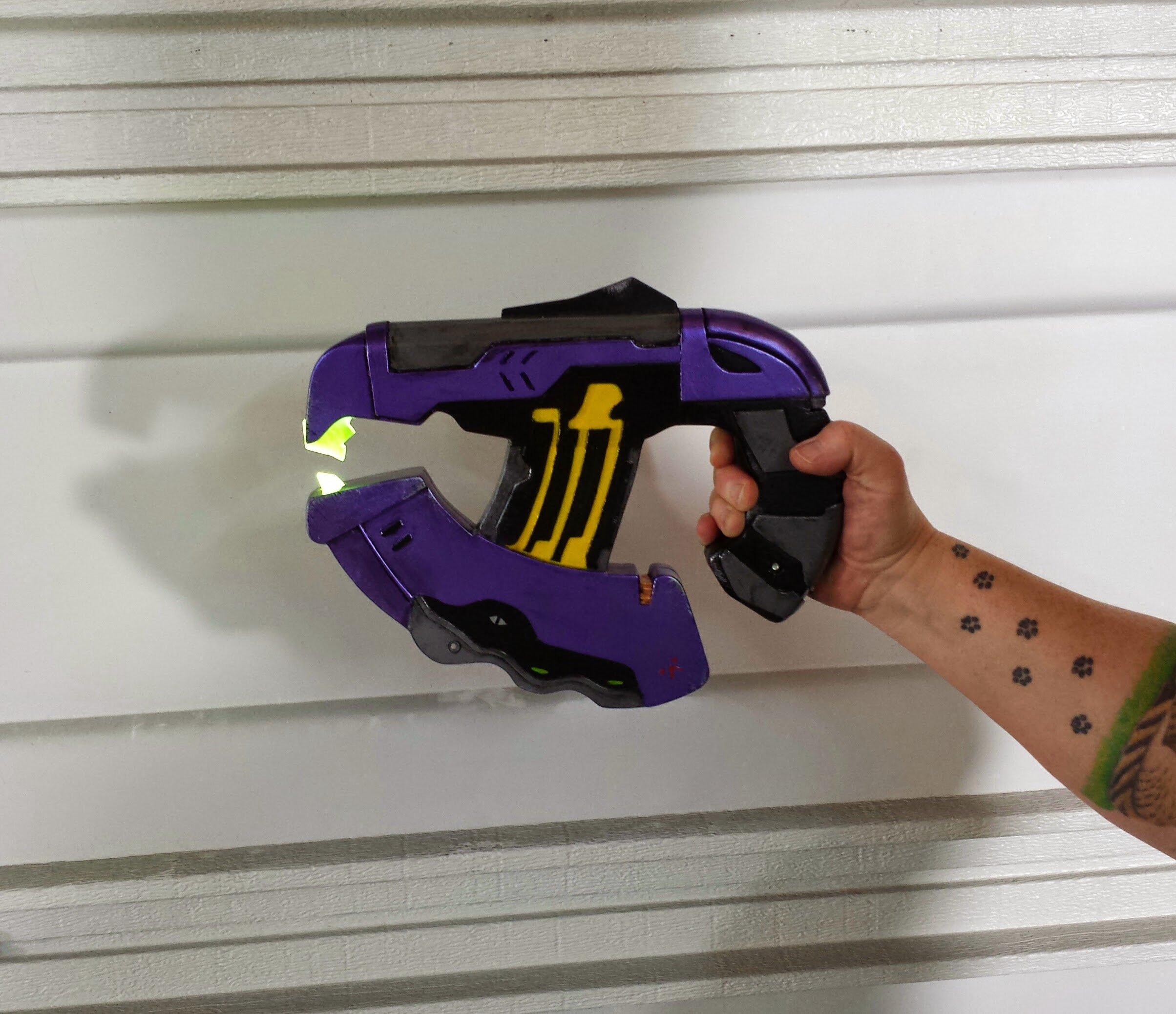 Halo Plasma Pistol by Cosplay4UsAll