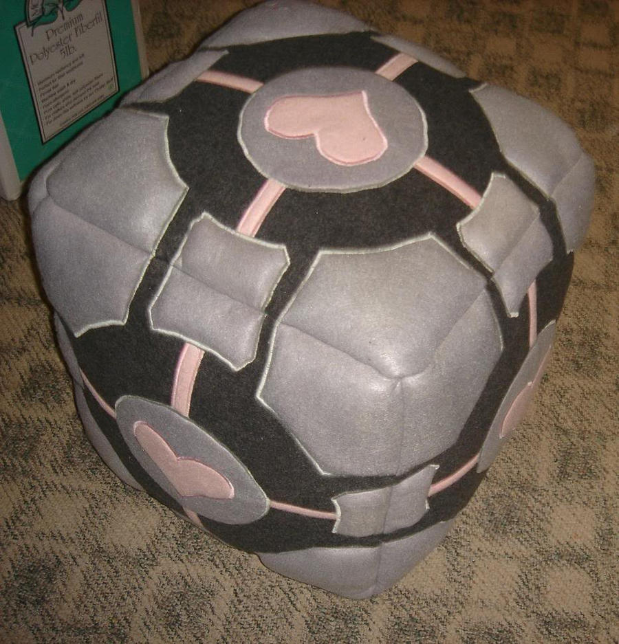 Weighted Companion Cube by StrangeKnits