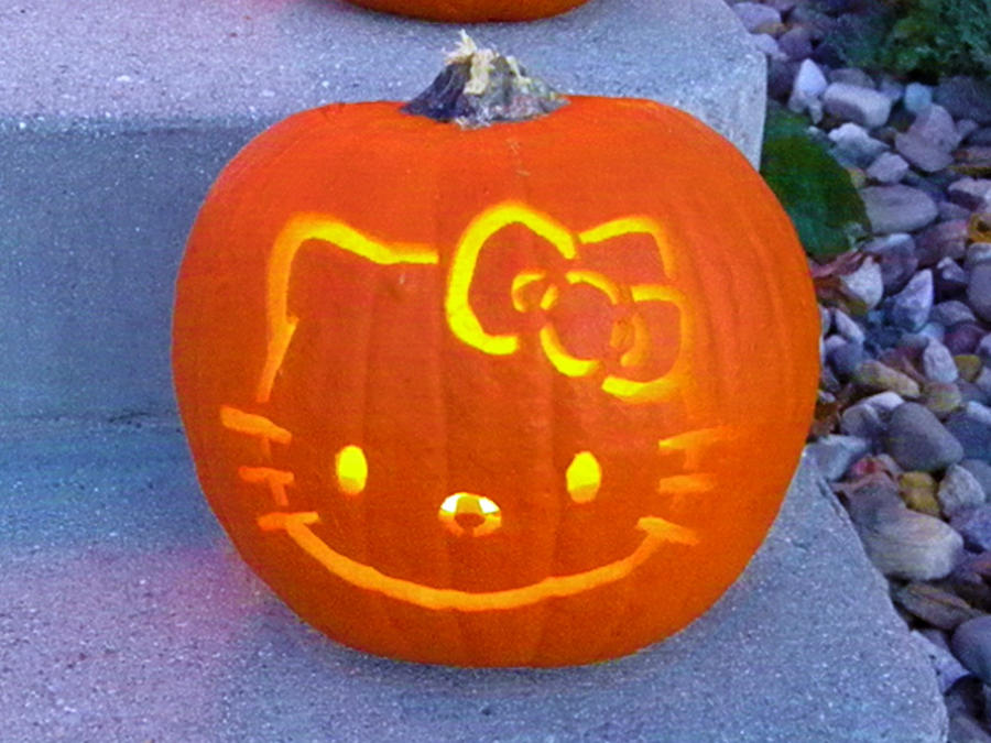 Hello kitty pumpkin by louness26 on deviantart for Hello kitty pumpkin carving patterns