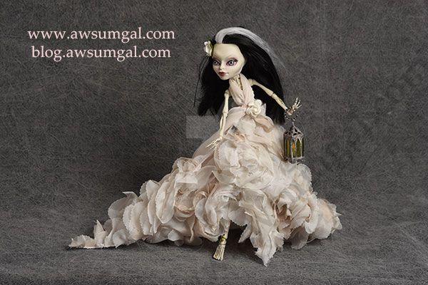 Penelope ooak Skelita Monster High Repaint by awsumgal-Lux