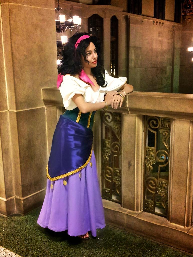Esmeralda by MomoKurumi