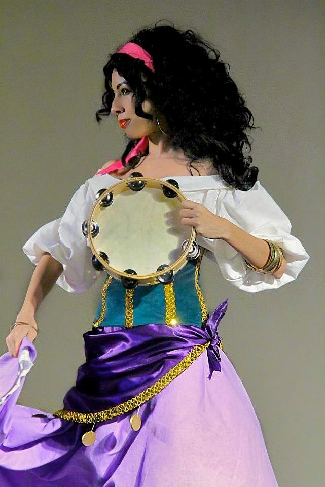 Esmeralda's Dance by MomoKurumi