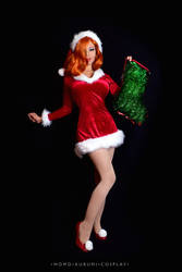 Jessica Rabbit: Christmas Cheer by MomoKurumi