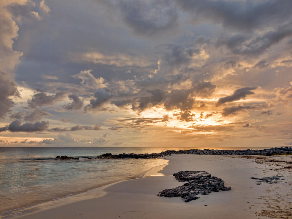Sunset Arthurs Town 1 by peterpateman