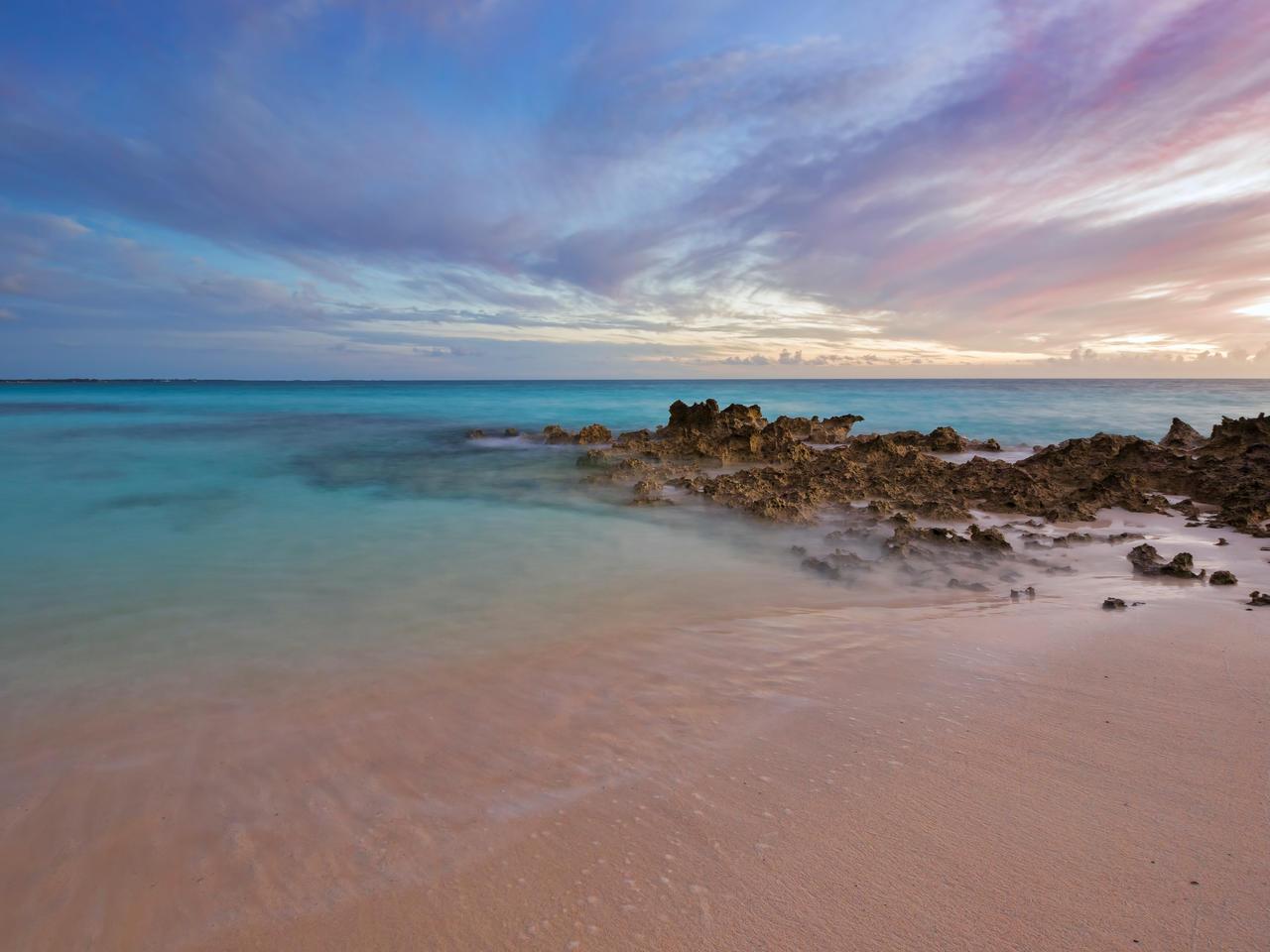 Pink sands by peterpateman