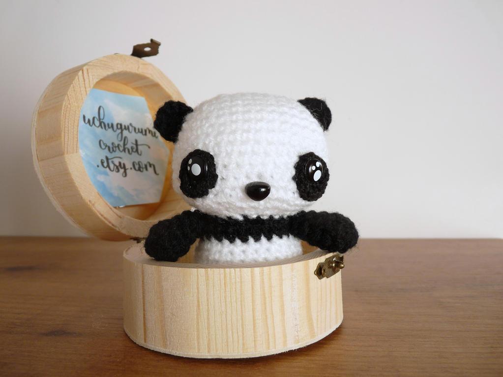 Panda Amigurumi by uchugurumi