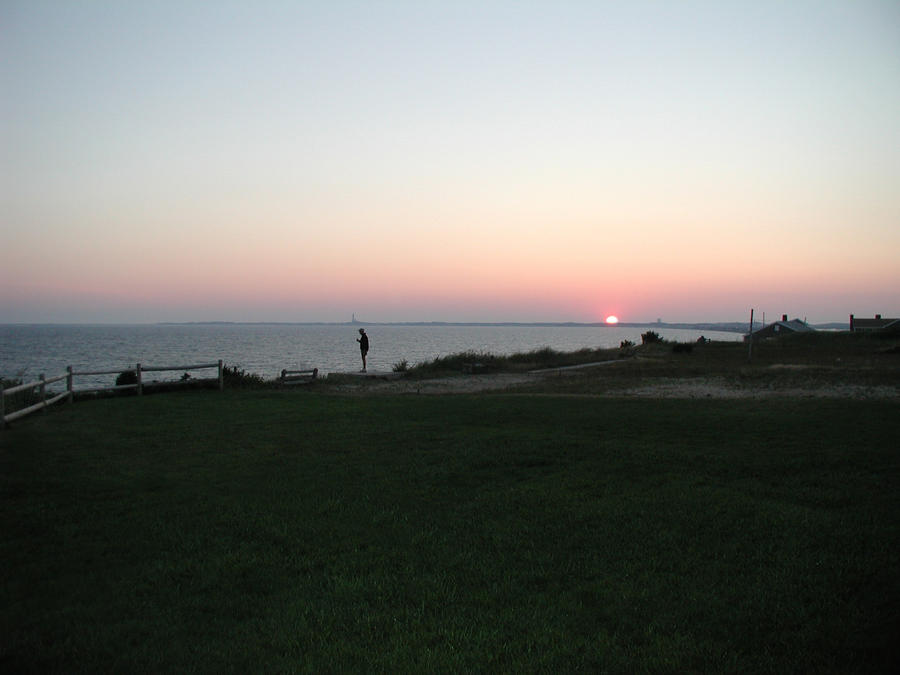 http://fc06.deviantart.net/fs25/i/2008/125/d/9/Sunset_at_The_Cape_by_Fathergatto.jpg