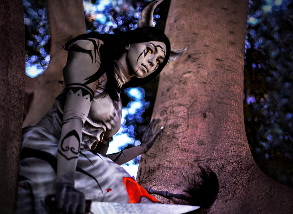 Alice Madness Returns - Cat up a Tree by arlo-arleh