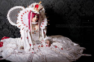 TrinityBlood: Esther,the Queen by Astarohime
