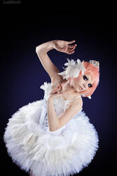Princess Tutu: Swan by Astarohime
