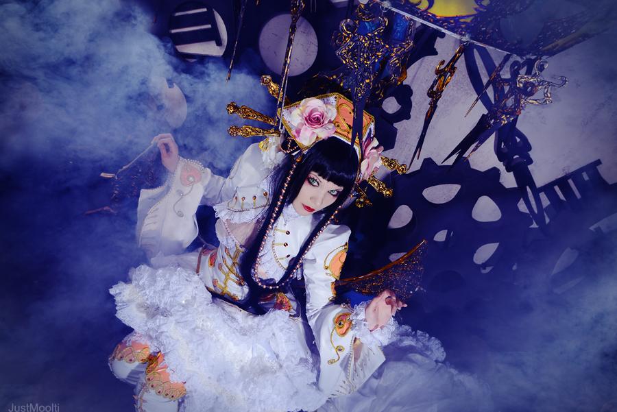 ScissorsCrown: Her majesty Alice by Astarohime