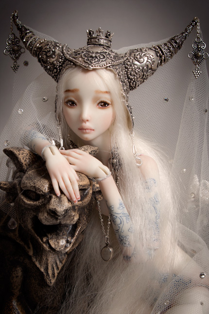 Фарфоровые куклы Марины Бычковой Beauty_and_the_beast_by_marina_b-d2xplgu