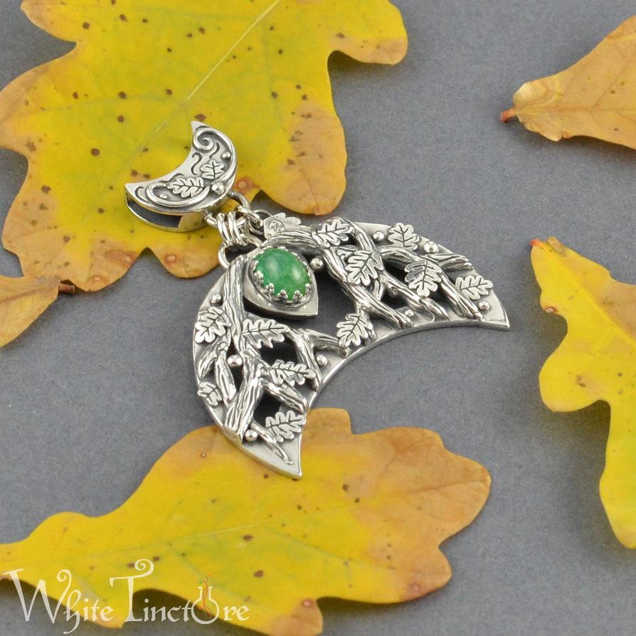 Emerald Lunula by WhiteTincture