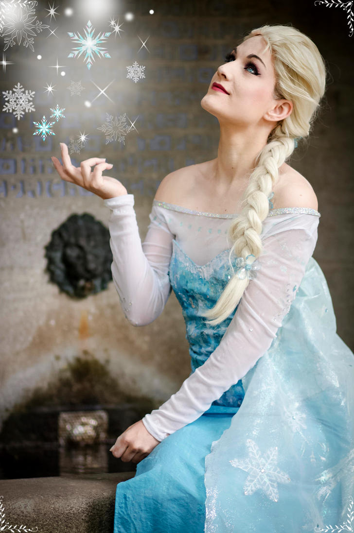 My old Elsa cosplay by Stunt-Sheep