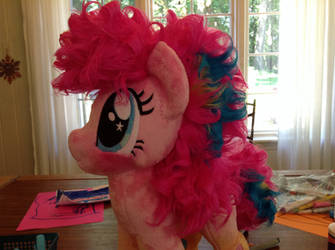 Rainbow pinky by Littlestplushoppe