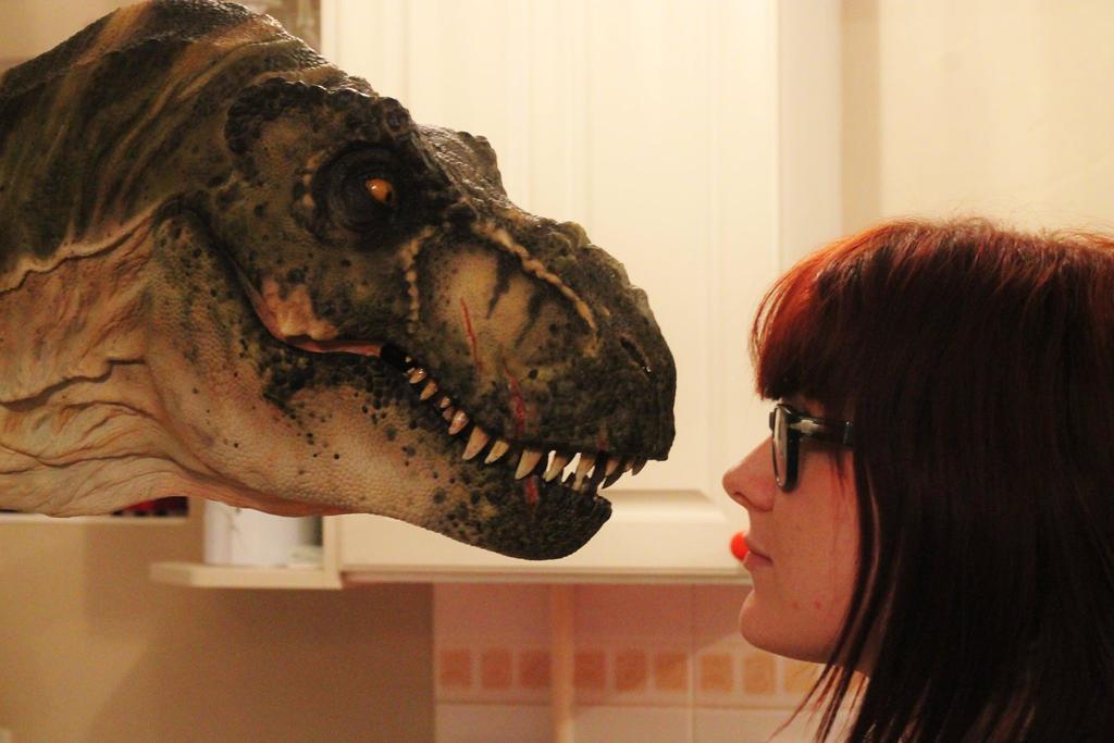 Buck ! Bull T.rex. 1.5 (size comparison)