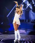 Giantess Ariana Grande and Slaves 28