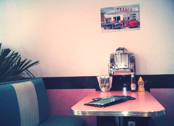 American diner in paris by trashydiamond on deviantart for Diner artwork