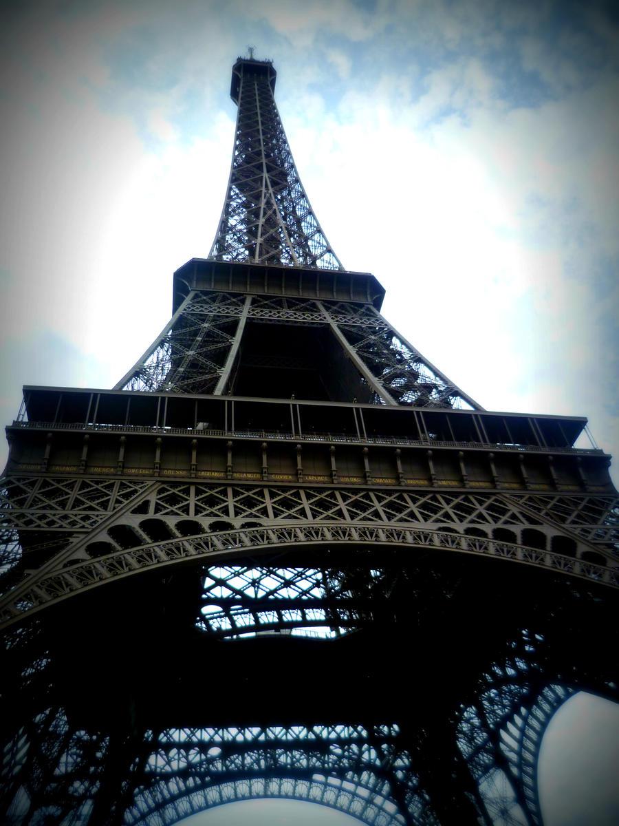 Eiffel Tower 2 by RainbowdevilX