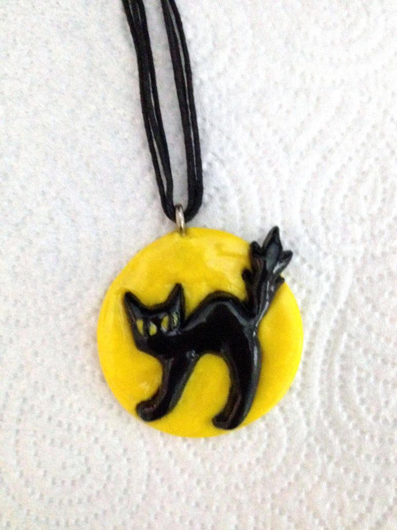 Cat Pendant by Xx-tangerine-xX