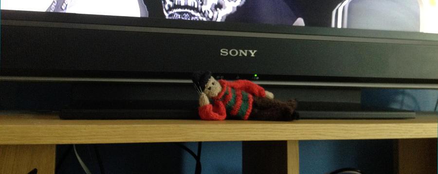 Knitted little Freddy Krueger by Xx-tangerine-xX
