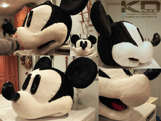 Mickey Mouse cosplay head