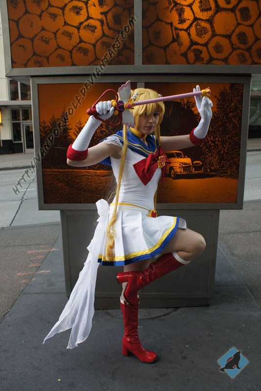 Super Sailor Moon by VandorWolf