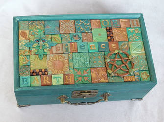 Earth of the North mosaic box