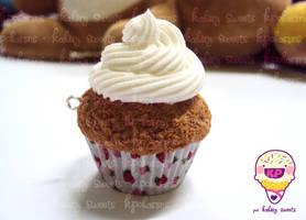 fake cupcake OwO by KPcharms