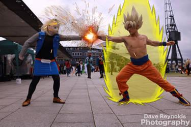 Super Saiyan Goku vs Android 18 by Itachis-killer