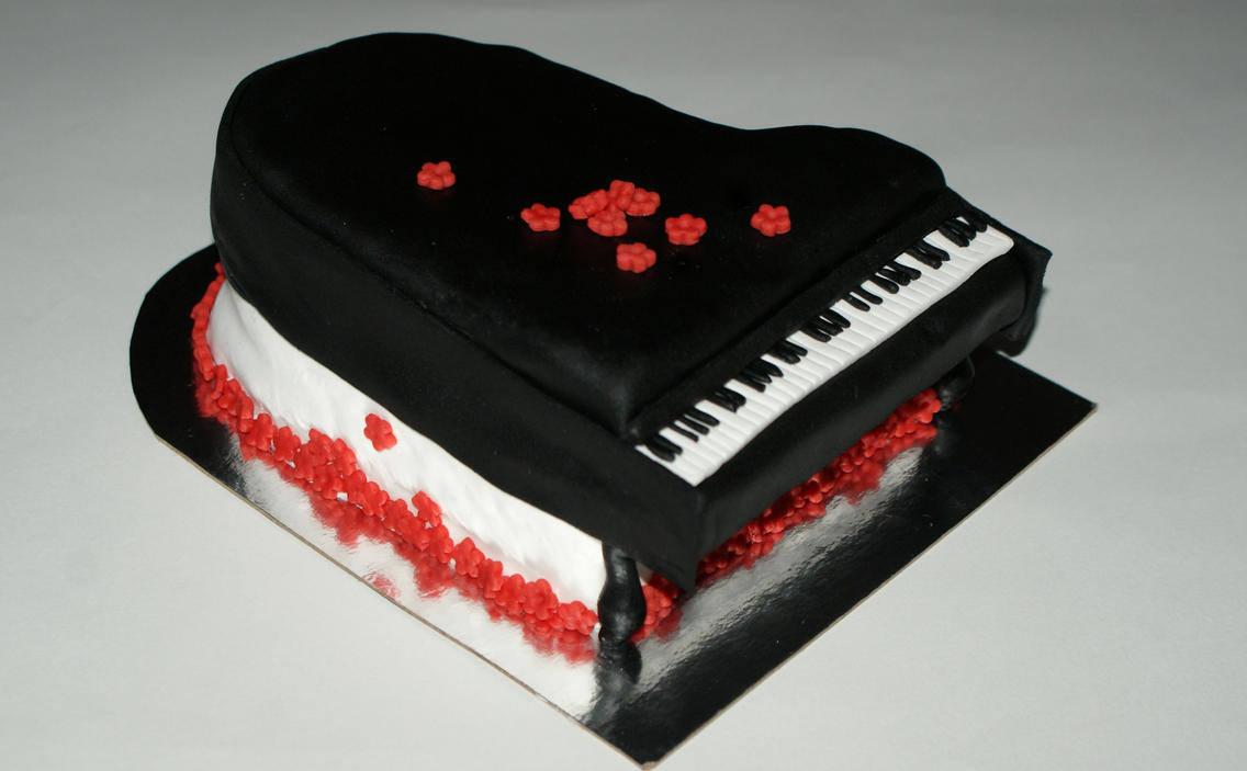 Grand Piano Cake by VPofFantasyland