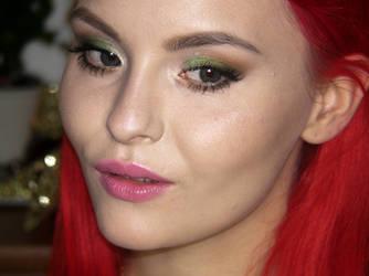 YT Makeup Tutorial : Christmas 2014 by Nextscene