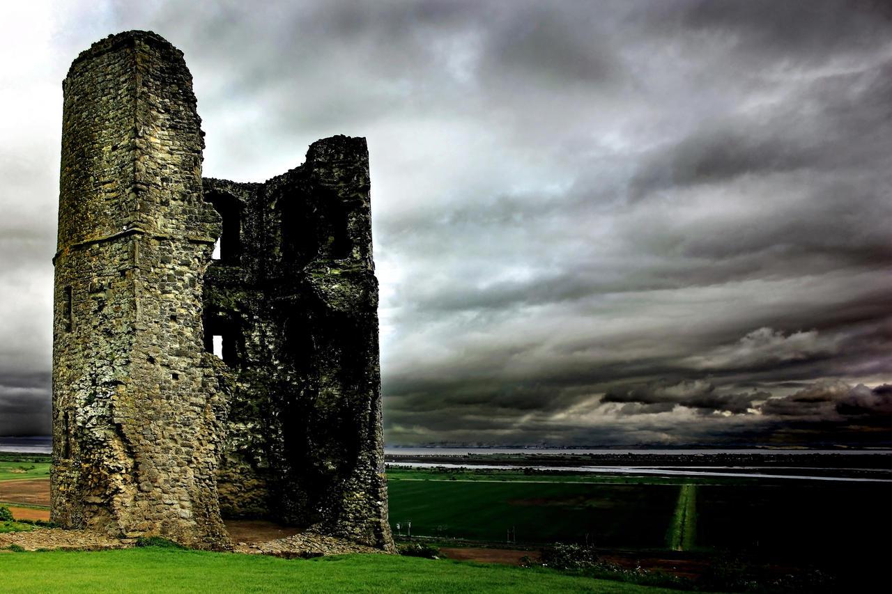 Hadleigh Castle by Coigach