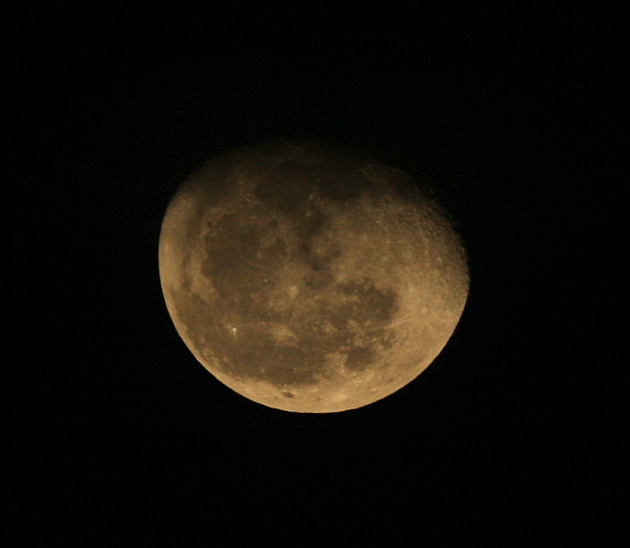 Moon, New Years Eve, December 31, 2012 by mitsubishiman