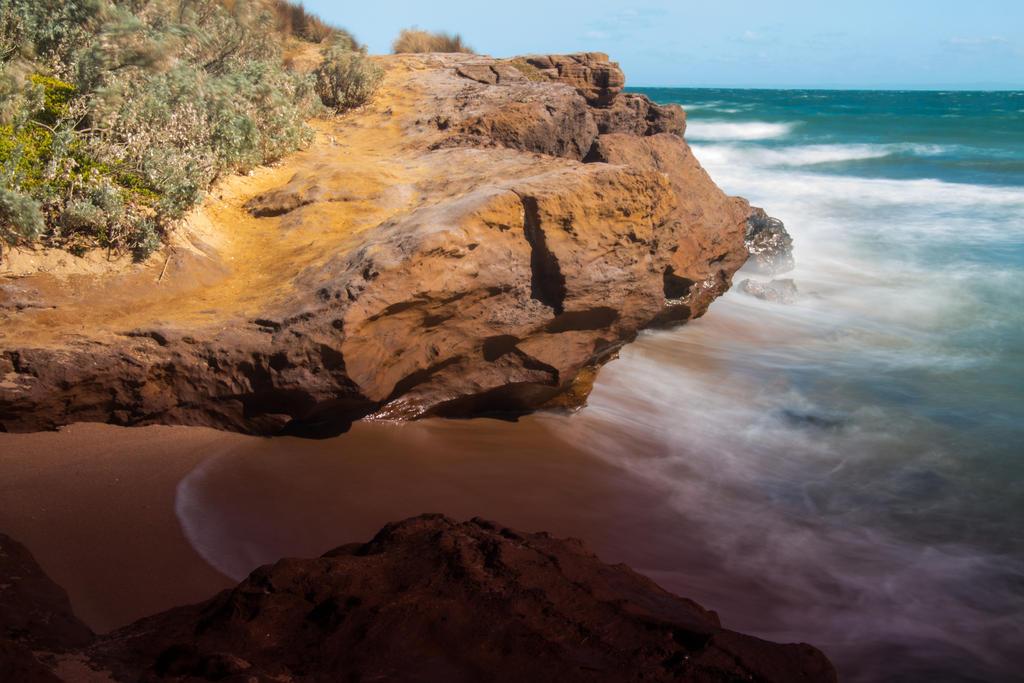 Sandy rocks by tessavance