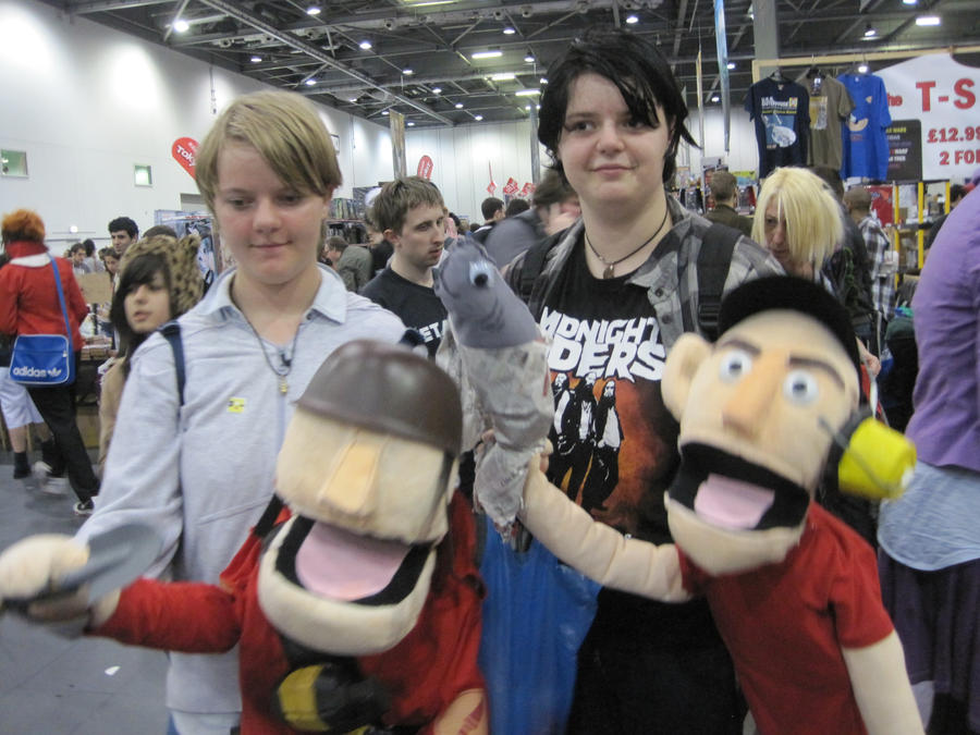 MCM Expo 2011 - Puppet TF2 by Cubie-Panda