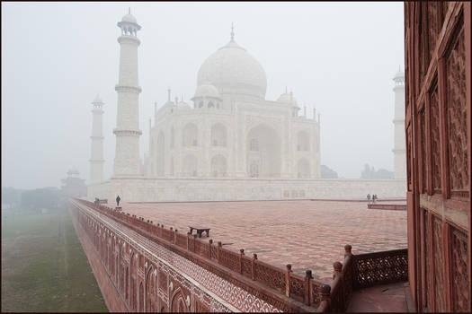 Agra and Taj in January