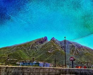 Cerro de la Silla (close-up) by TheLittleMexicanDraw
