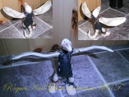 Creepy skull bird by RoguesAndGhosts