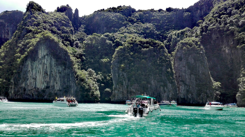 Thailand Phi Phi by MichaelJFourie