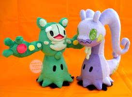 Mimikyu crossover plush set, reuniclus and goodra