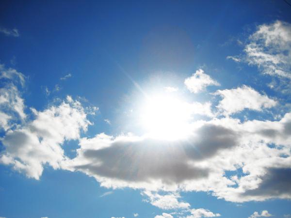 sun in the sky by Olen...