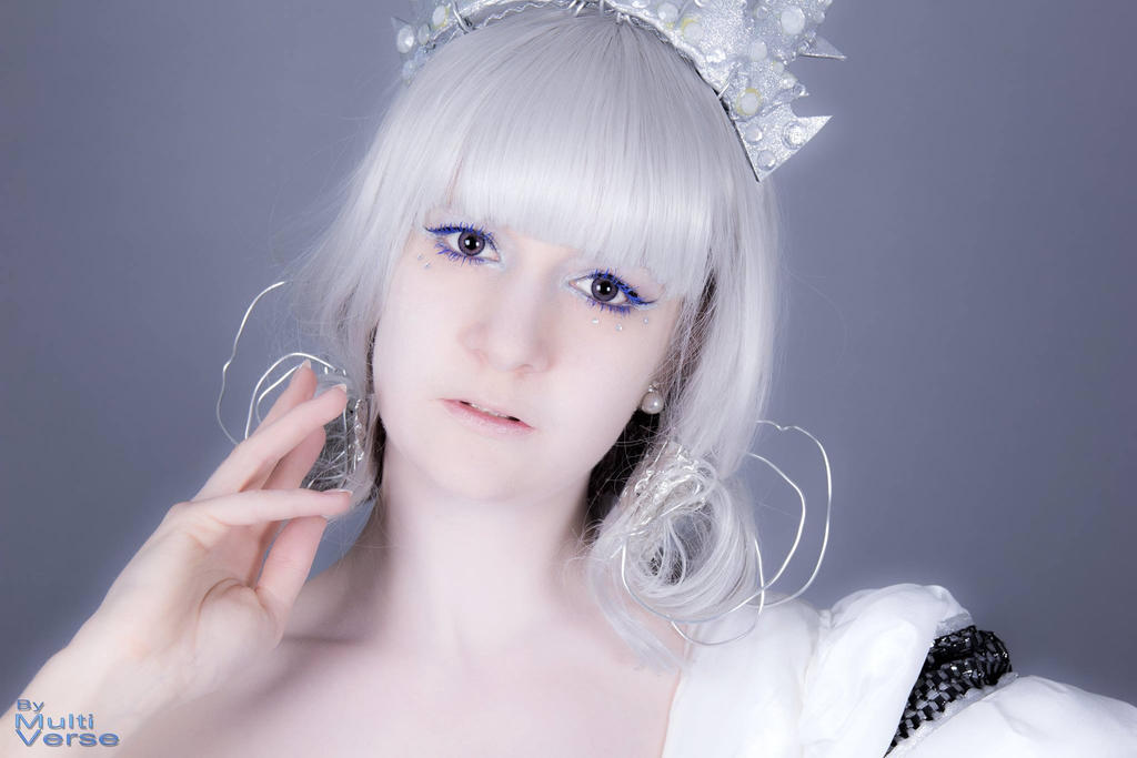 ~ Frozen Glance by Dragomyra