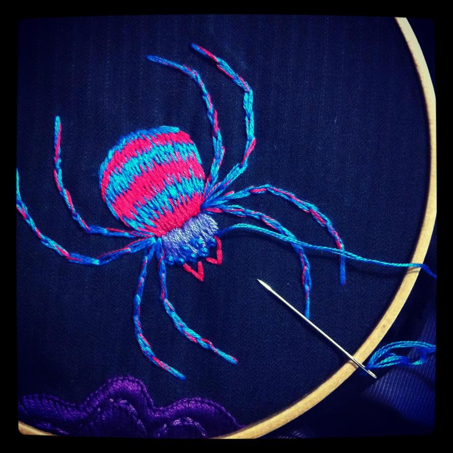 Схемы вышивок с нитками светящимися
