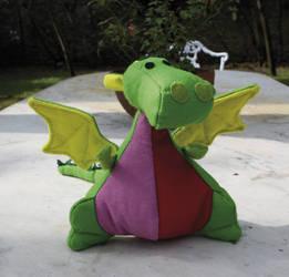 ::: Fat dragon by camaseiz