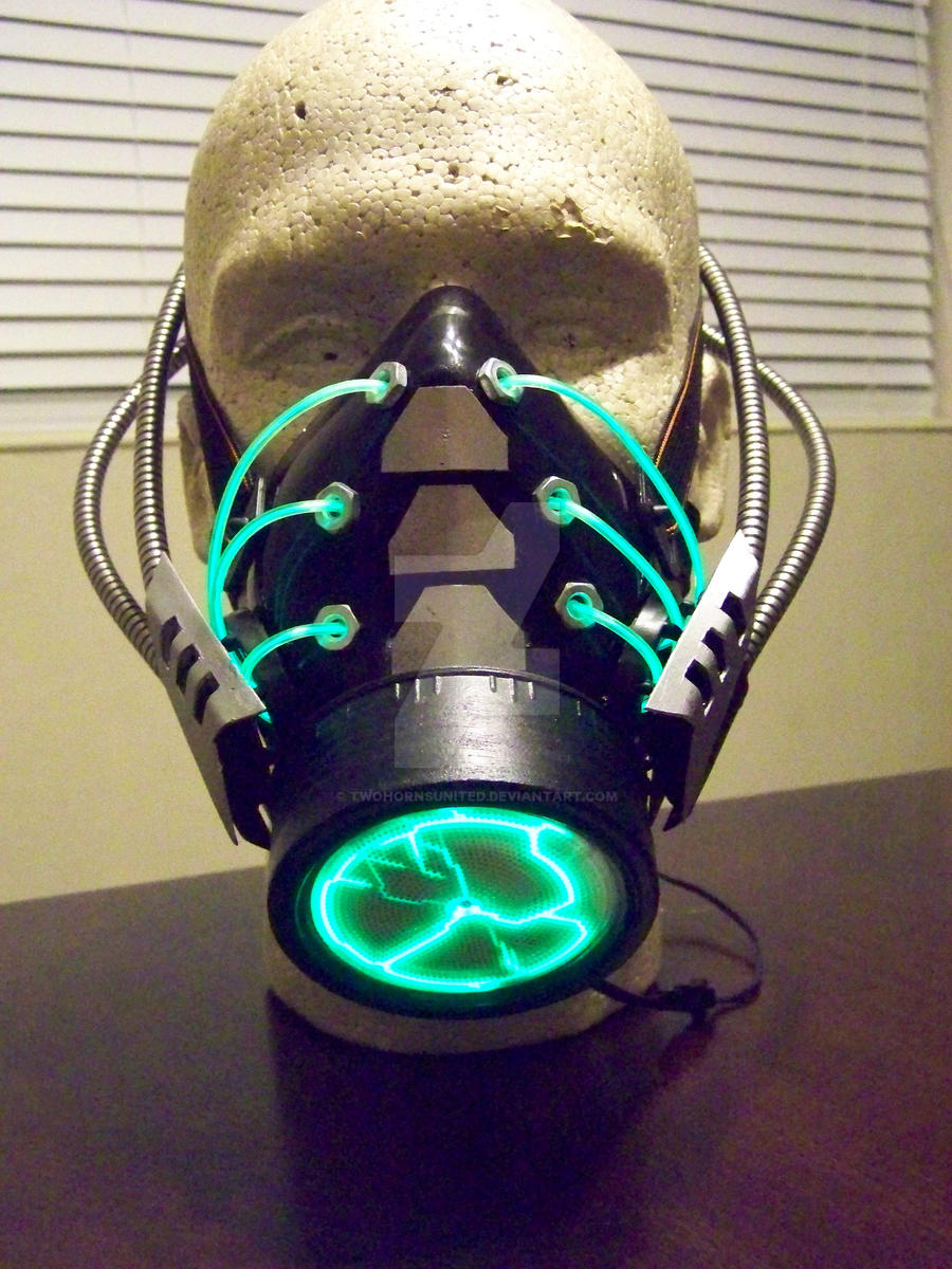 The 'Havoc' Cybernetic plasma gas mask by TwoHornsUnited